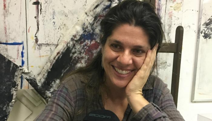 Ana Flávia Baldisserotto: com uma carrocinha, comprando e vendendo histórias anônimas