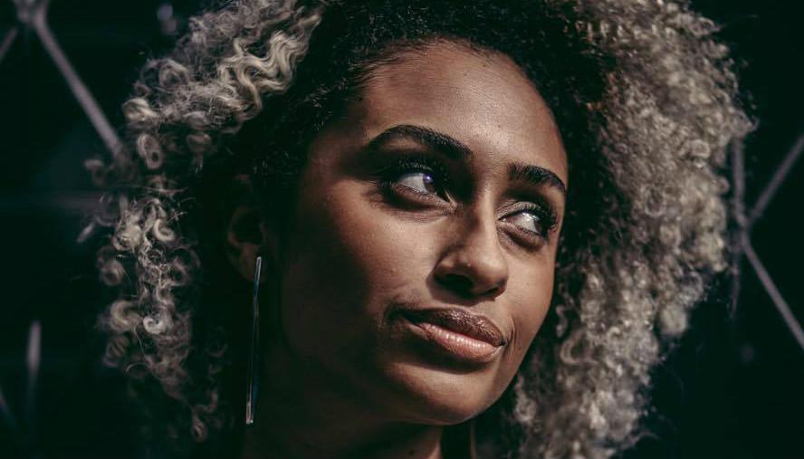 034 – Carol Anchieta: feminismo negro, um projeto experimental na TV e caminhos possíveis na comunicação